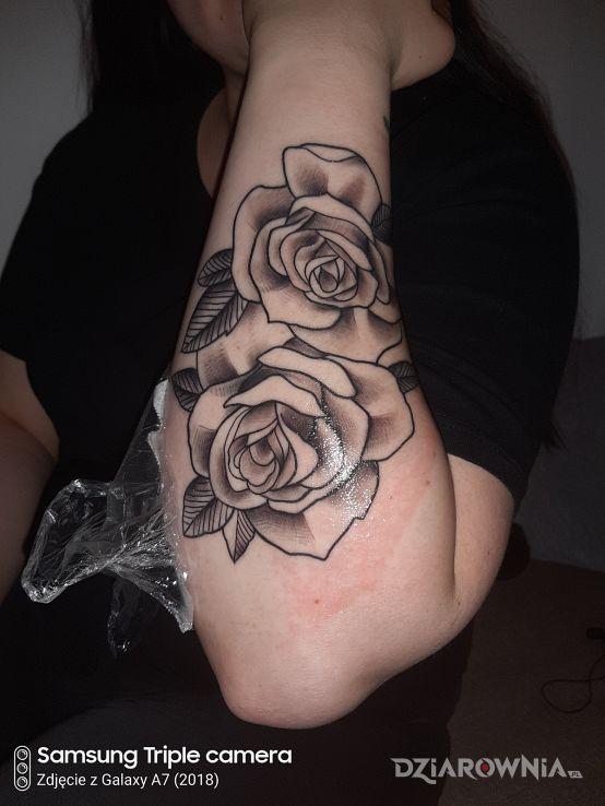 Tatuaż róże - kwiaty