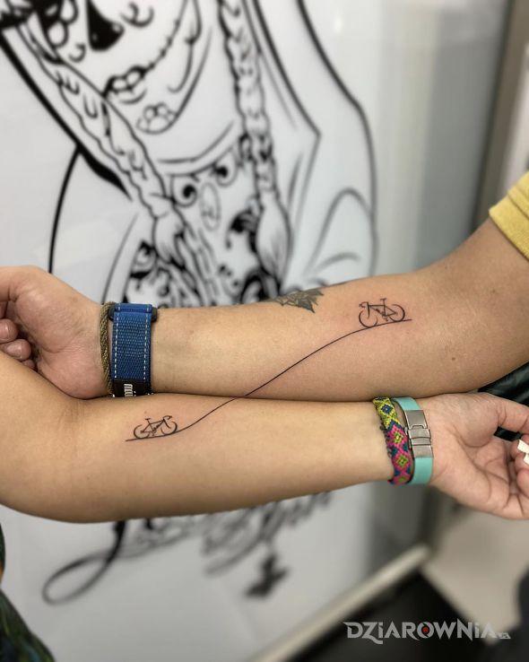 Tatuaż miłośnicy rowerów - miłosne