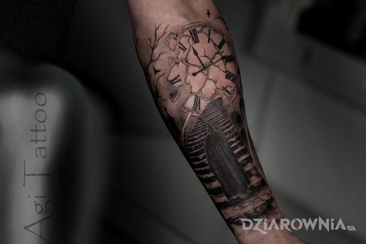 Tatuaż zegar schody i śmierć - demony