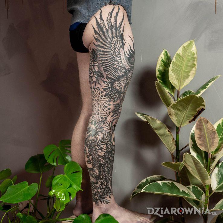 Tatuaż nogawka od leny - skrzydła
