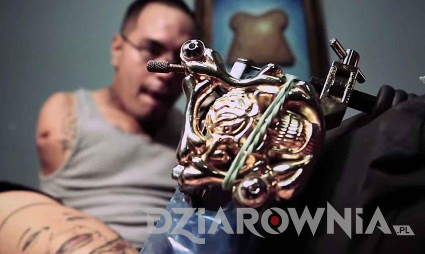 tatuator bez rąk