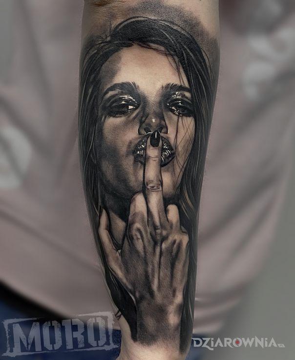 Tatuaż pozdro - - postacie