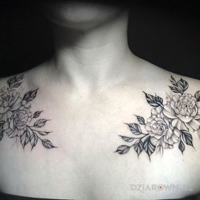 Kwiaty na obojczykach