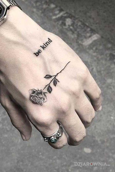 Tatuaż bądź miły - kwiaty