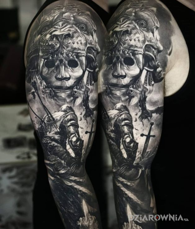 Tatuaż pokonany rycerz - czarno-szare