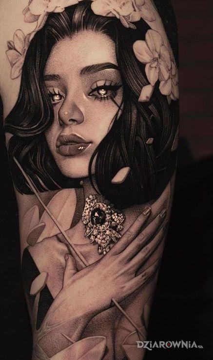 Tatuaż śliczna panienka - czarno-szare