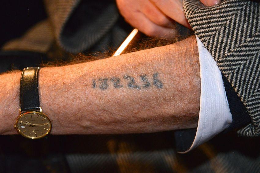 tatuaż z auschwitz
