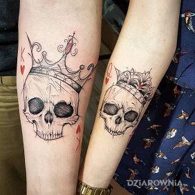 Koronowane czaszki
