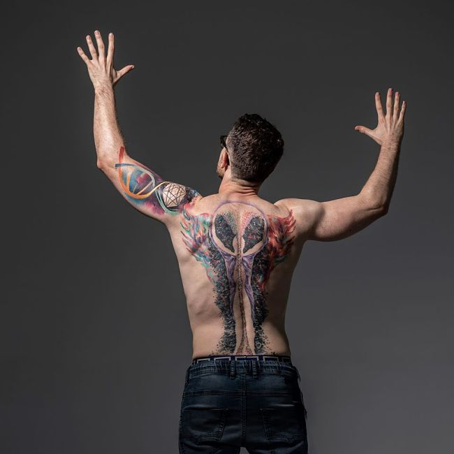 tatuaże mateusza grzesiaka