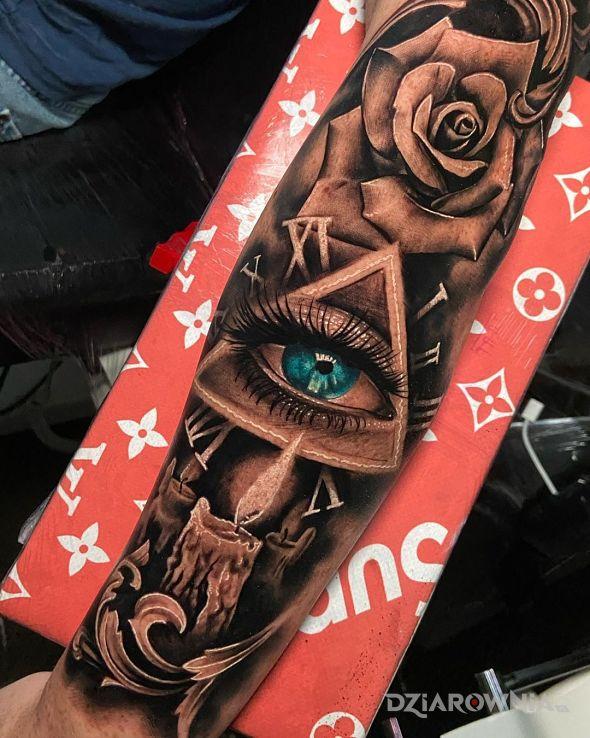 Tatuaż nawet ładne oko - kwiaty