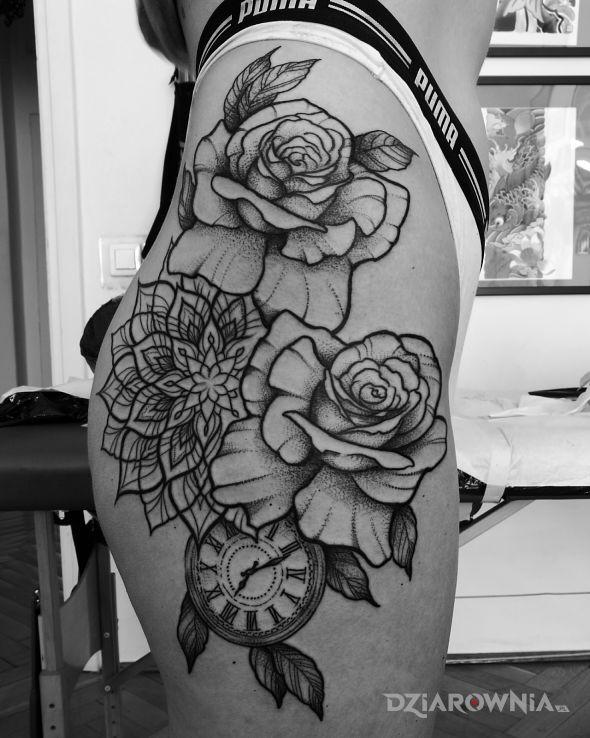 Tatuaż kwiaty  róże  mandala  zegar - ornamenty