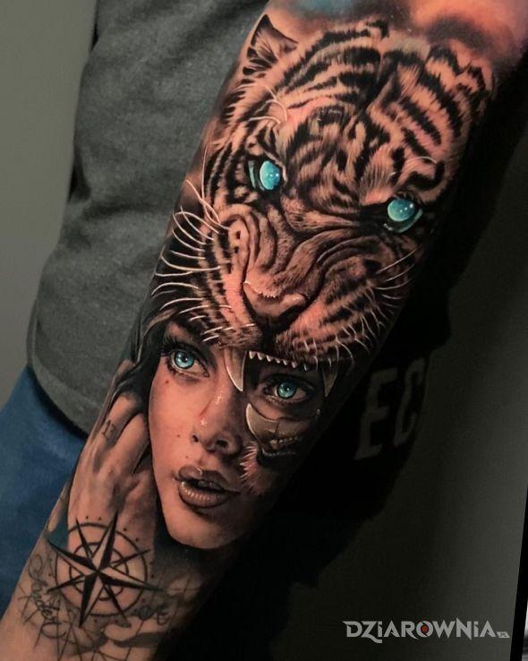 Tatuaż tiger woman w motywie twarze i stylu realistyczne na przedramieniu