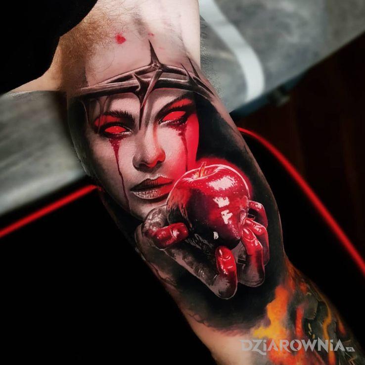 Tatuaż krwawe jabłuszko - twarze