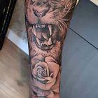 Wkurzony lew
