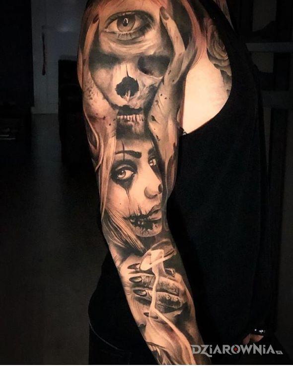 Tatuaż dziewczyna razem z demonami - czaszki