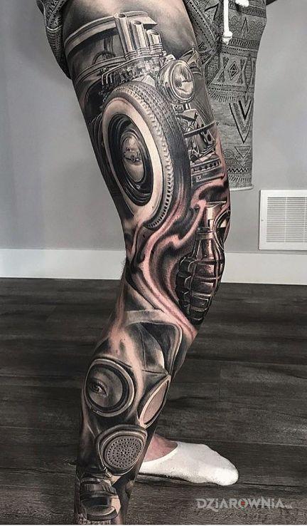 Tatuaż samochodzik - realistyczne
