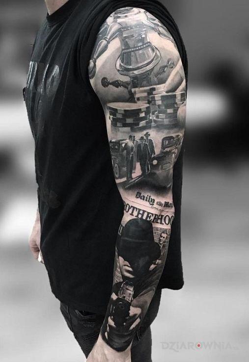 Tatuaż ruleta w motywie 3D i stylu realistyczne na przedramieniu