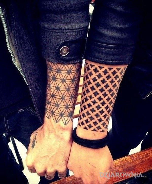 Tatuaż geometryczne uczucie - miłosne