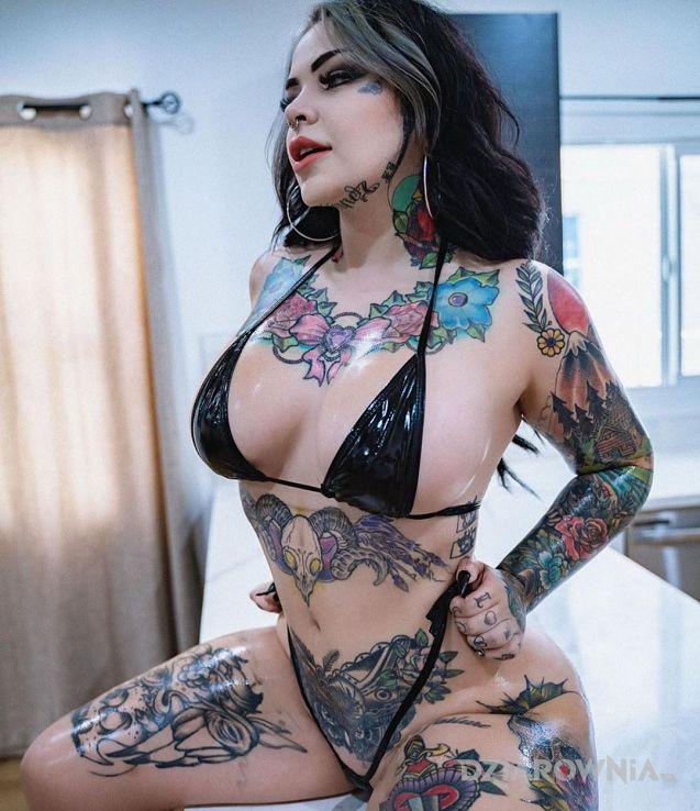 Tatuaż kolorowe dziary sexy dziary - rękawy