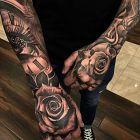 Różane dłonie