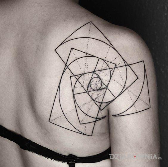 Tatuaż prostokąty w prostokątach - pozostałe