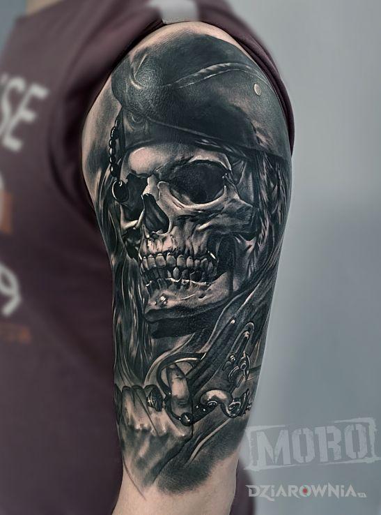 Tatuaż pirate skull - czaszki