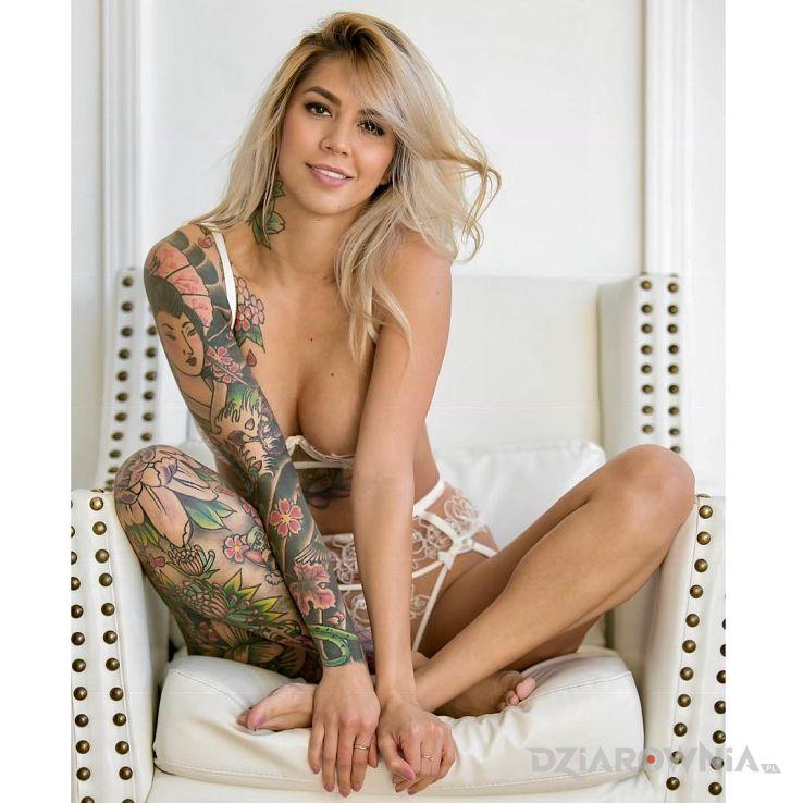 Tatuaż laska z japonskim motywem - rękawy