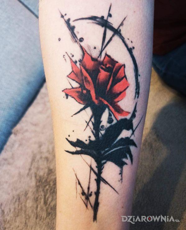 Tatuaż róża - kwiaty