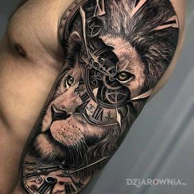 Zegar w lwie