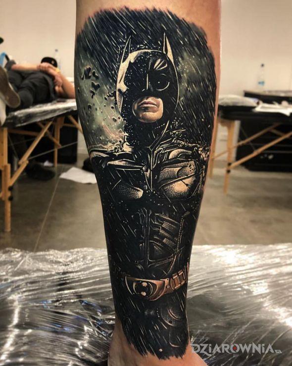Tatuaż mroczny rycerz - postacie