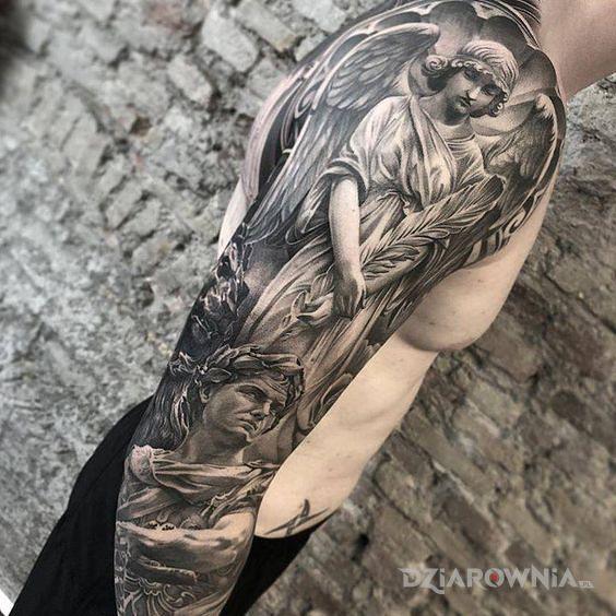Tatuaż aniol nad cesarzem w motywie twarze i stylu realistyczne na ramieniu