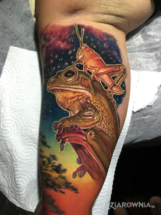 Tatuaż przyjaciele w motywie 3D i stylu realistyczne na ramieniu