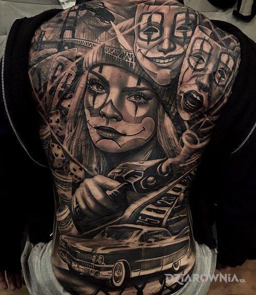 Tatuaż gangsta girl w motywie kasyno i stylu realistyczne na łopatkach