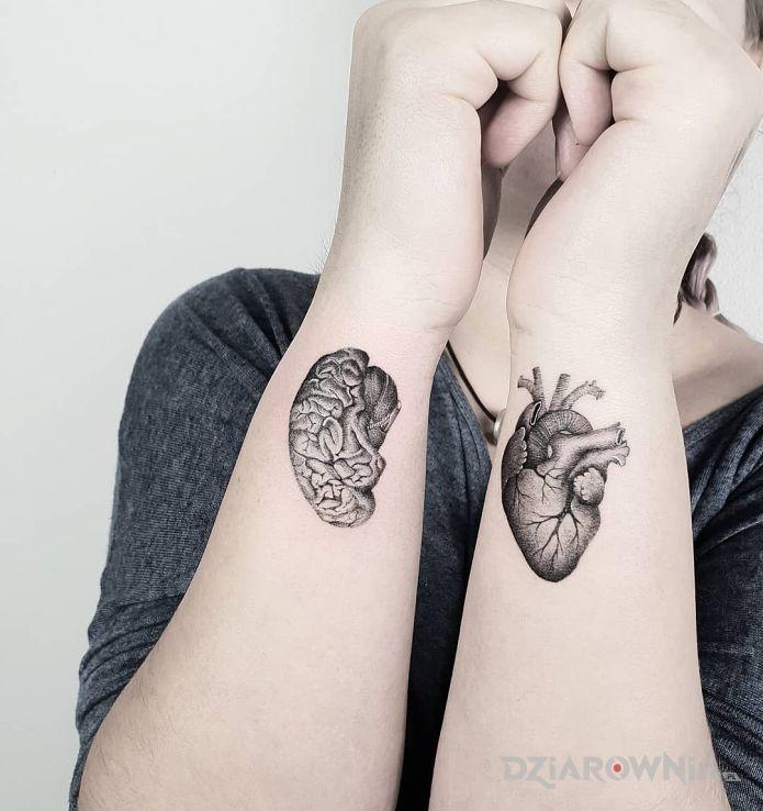 Tatuaż serce i rozum - czarno-szare
