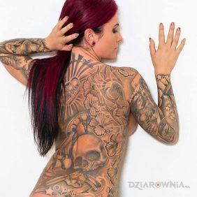 Dużo, dużo tatuaży