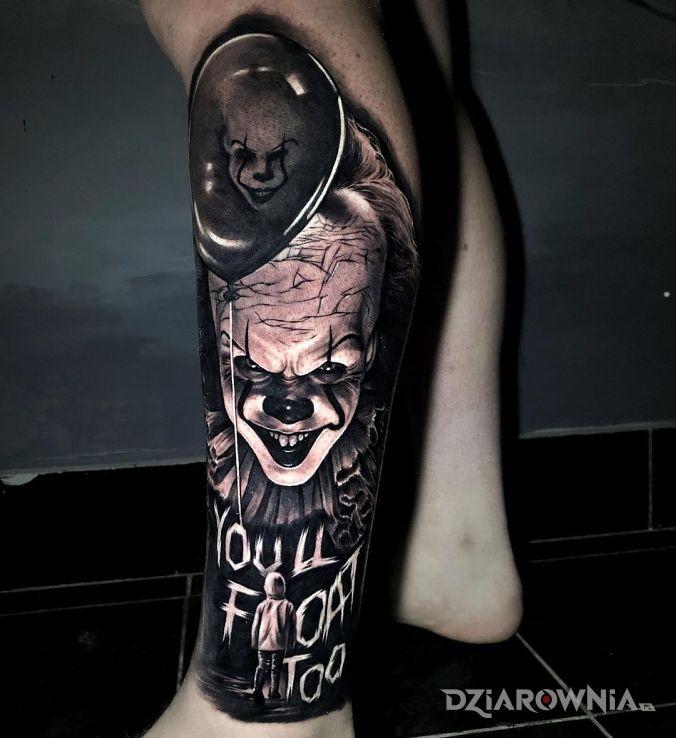 Tatuaż pennywise w motywie 3D i stylu realistyczne na łydce