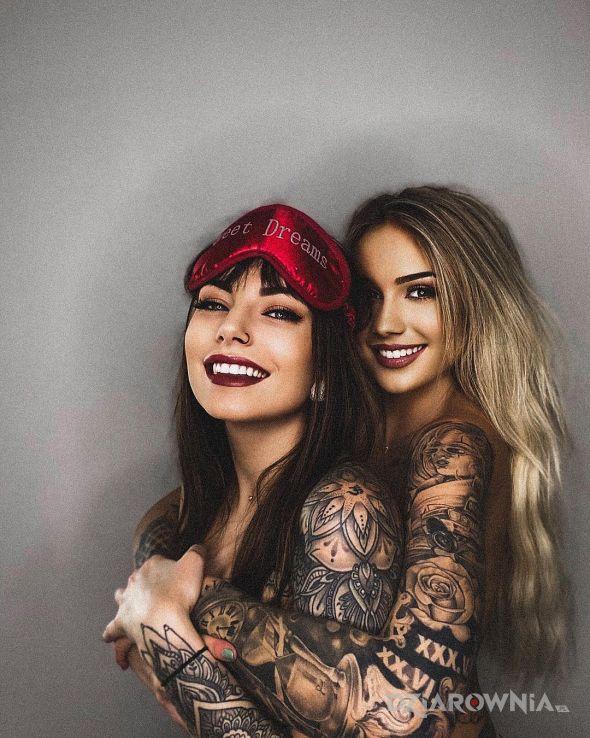 Tatuaż piekne usmiechy - rękawy