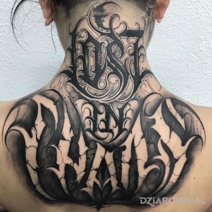 Tatuaż lost in chaos - czarno-szare