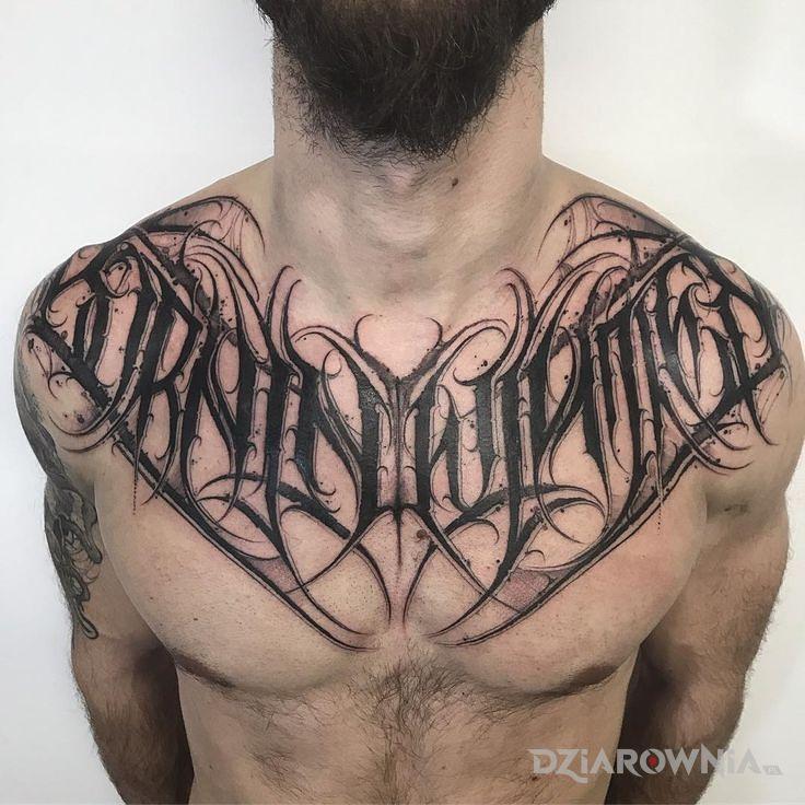Tatuaż born in winter - napisy