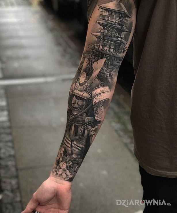 Tatuaż samurai w motywie postacie i stylu realistyczne na ramieniu
