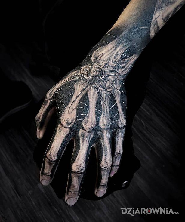 Tatuaż kościana ręka - 3D