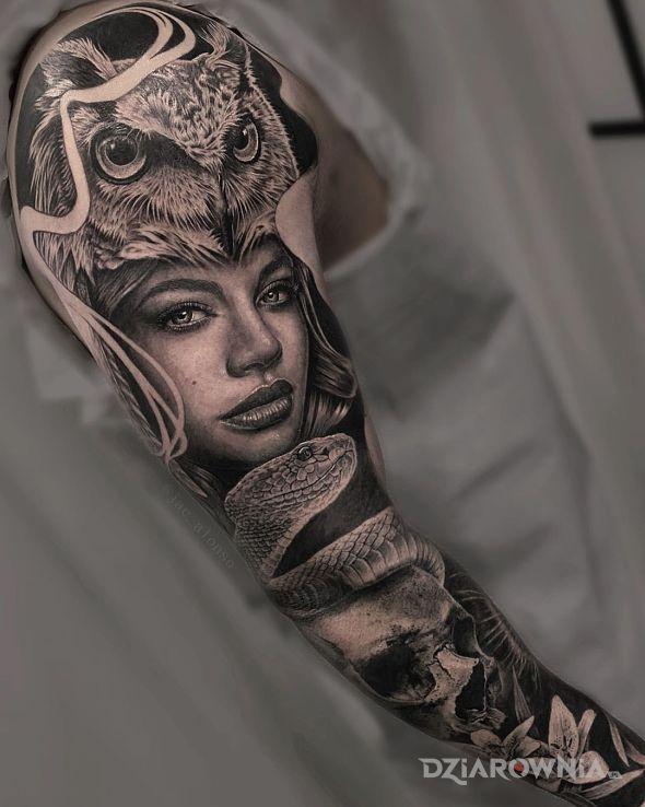 Tatuaż dziewczyna z sową na głowie w motywie twarze i stylu realistyczne na przedramieniu