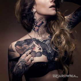 Szatynka z fajnymi tatuazami