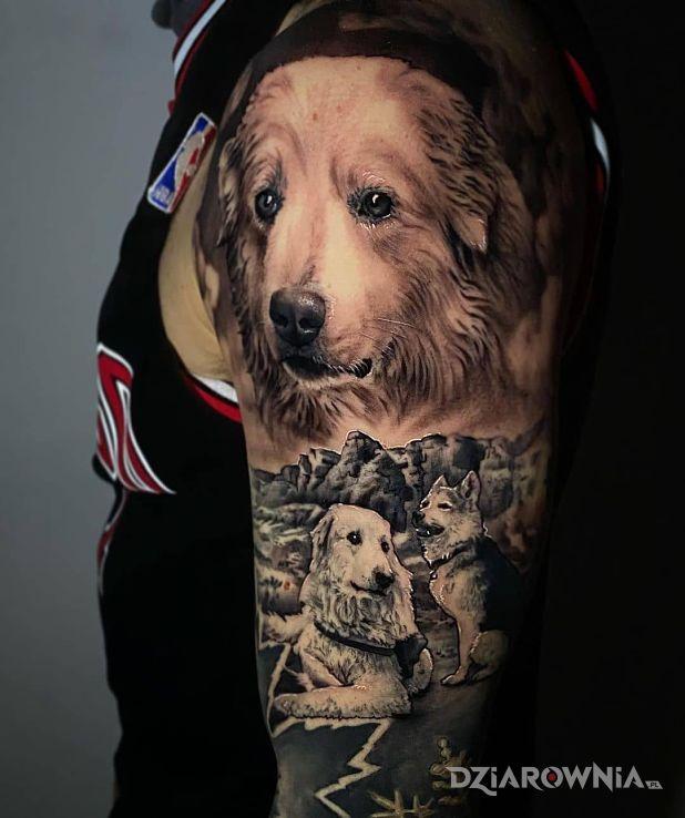 Tatuaż pieskie życie w motywie zwierzęta i stylu realistyczne na ramieniu