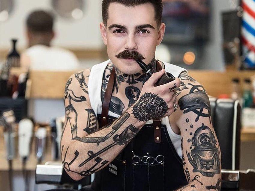facet w tatuażach