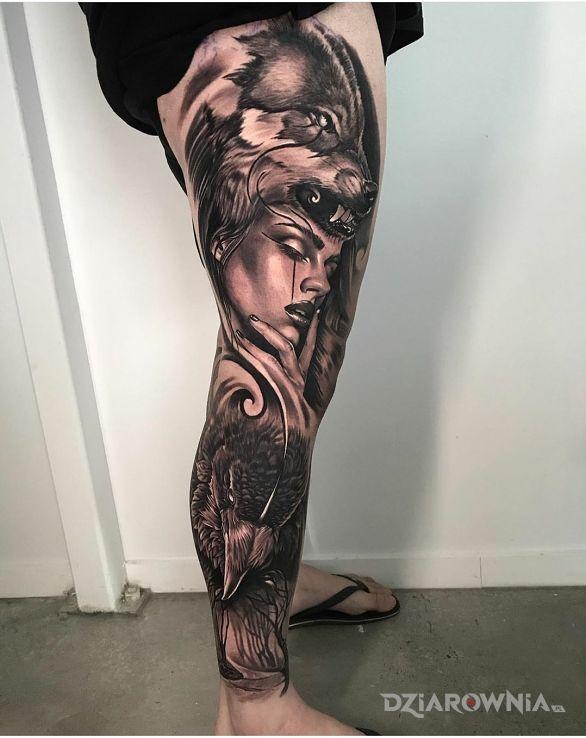 Tatuaż kobieta i zwierzęta w motywie zwierzęta i stylu realistyczne na nodze