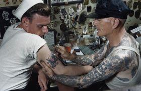 Żeglarski styl tatuażu