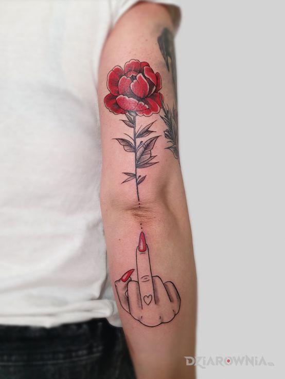 Tatuaż babski przekaz w motywie seksowne i stylu graficzne / ilustracyjne na przedramieniu