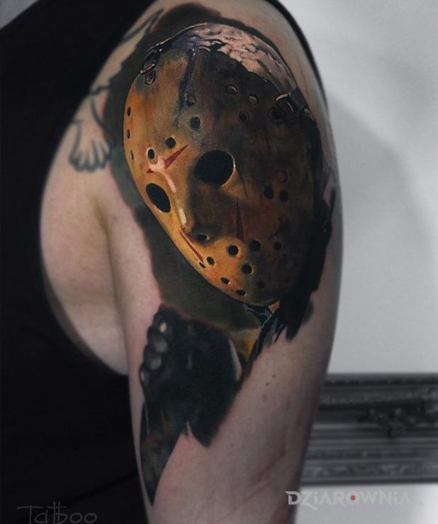 Tatuaż piątek 13 - realistyczne
