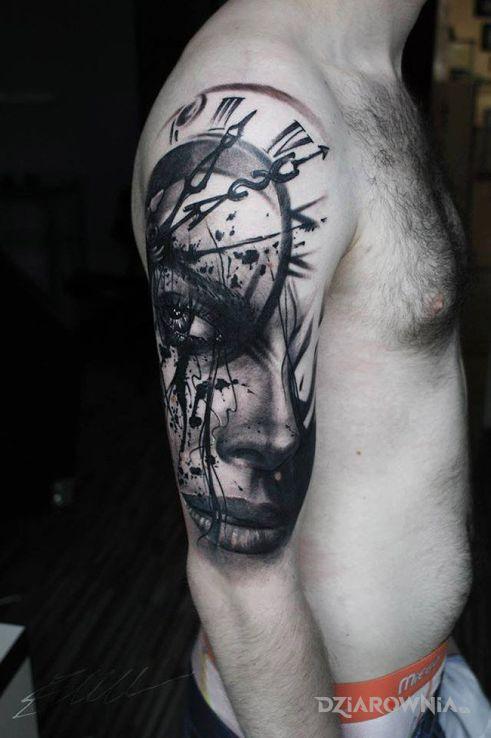 Tatuaż kobieta z zegarem - postacie